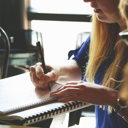 Impact des fautes d'orthographe sur le chiffre d'affaires des entreprises