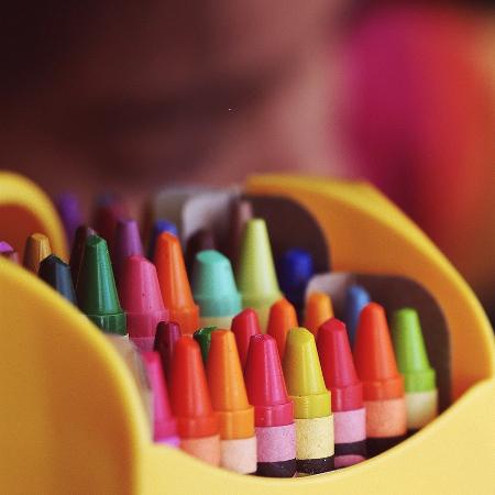 Occuper un enfant de 2 ans «enfermé» à la maison