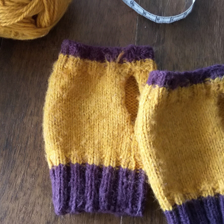Tricoter des mitaines enfant
